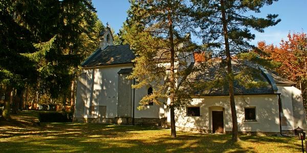Ulrichskirche und Gläserner Kreuzweg
