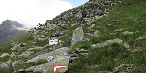 Abzweig zum Klettergarten vom Wanderweg