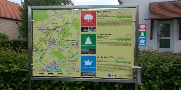 Informationstafel am Dorfgemeinschaftshaus in Börsborn