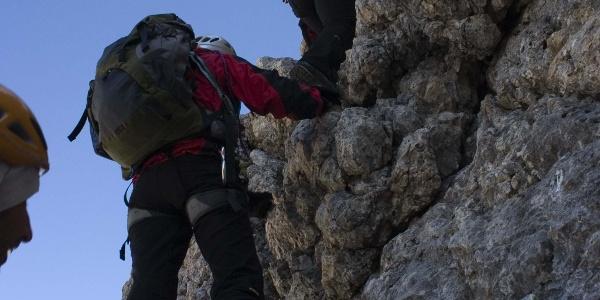Über gutgriffigen Fels nach oben