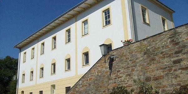 Wohnhaus, ehemalige Schule