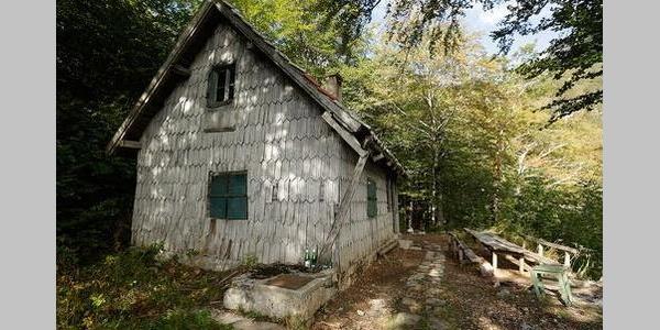 Mountain hut Tise
