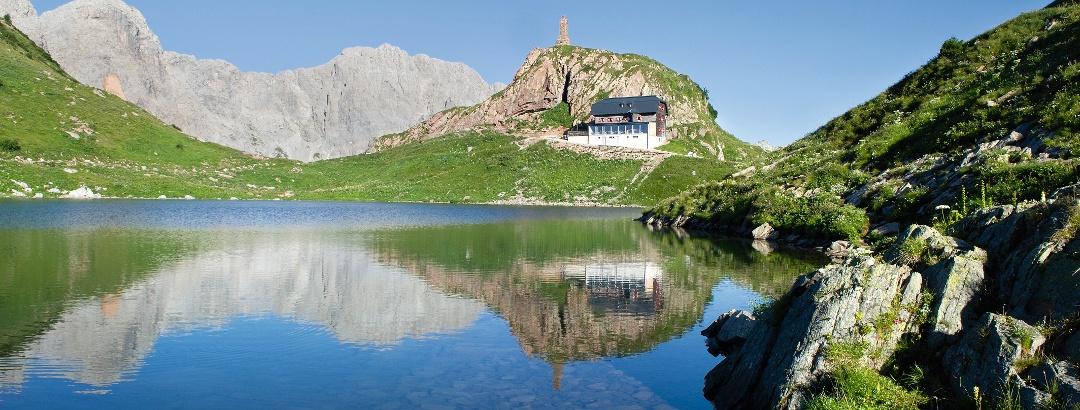Wolayer See mit Wolayerseehütte