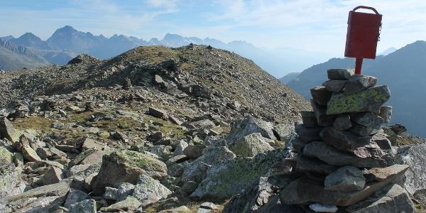 Breiter Gipfel (es hat zwei Gipfelbücher)
