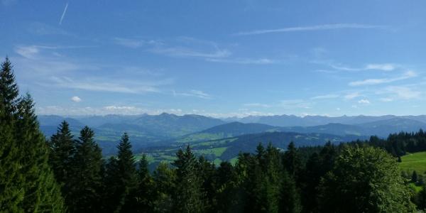 Alpenblick von der Aussichtsterrasse der Pfänderbahn