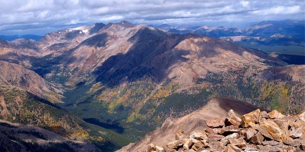 Fernblick vom Mt. Elbert 4401m