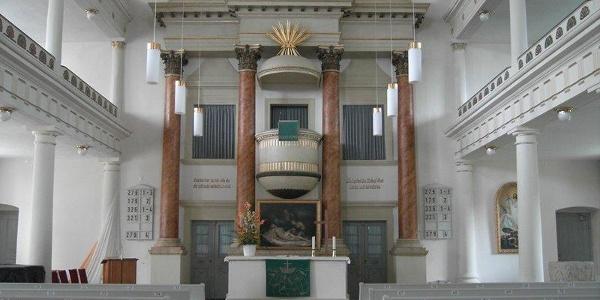 Blick zur Orgel der Dreieinigkeitskirche