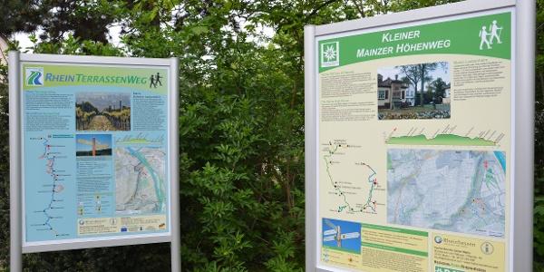 Informationstafeln für den  Kleinen Mainzer Höhenweg und den RheinTerassenWeg in Laubenheim