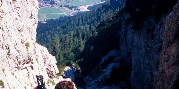 Salendo nel canalone del Col Lanar