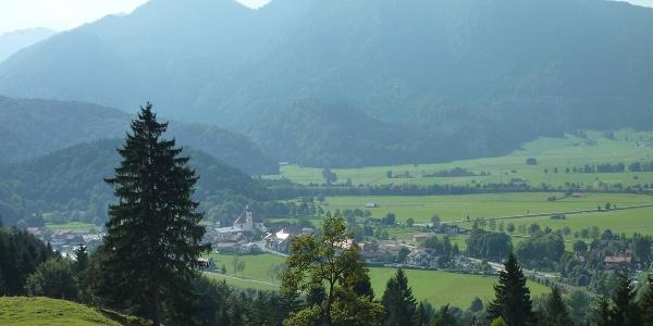 Fernwanderweg - Meditationsweg, 5. Etappe - Blick vom Heuberg auf Eschenlohe