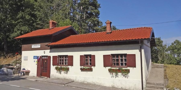Mountain hut Poklon