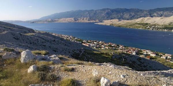 Paški zaljev i Velebit