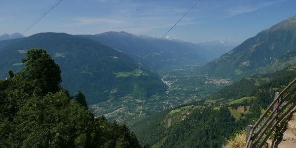 Blick von der Bergstation der Hochmuthbahn ins Tal
