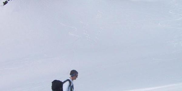 der K2 lugt zwischen Katzenköpfen und Rostizkogel hervor
