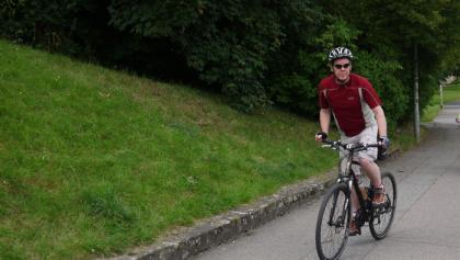 auf dem Rheinradweg