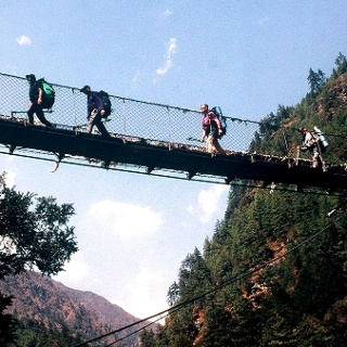 Hillary Brücke ~2865m