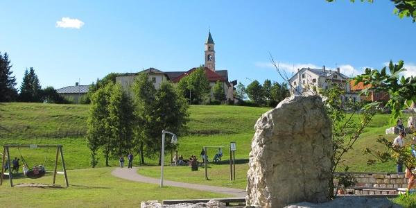 Vista di Cappella dal parcheggio del Palù