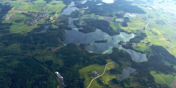Luftaufnahme von der Eggstätter Seenplatte