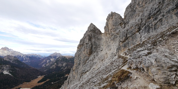 Am Einstieg in den Sentiero Alberto Bonacossa