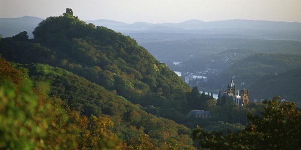 Drachenfels und Schloss Drachenburg