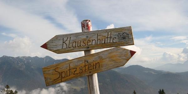 Wegweiser am Zinnenberg