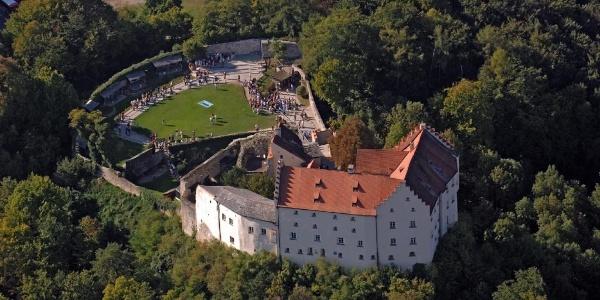 Schloss Rosenburg mit Falknerei in Riedenburg