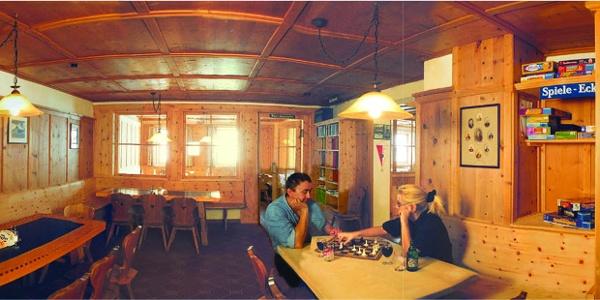 Gastraum der Jamtalhütte