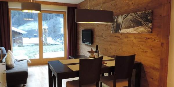 Wohnküche mit Ausblick auf Terrasse
