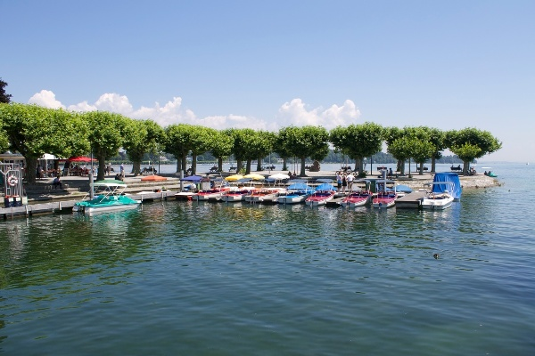 Freizeitspaß auf und neben dem Wasser