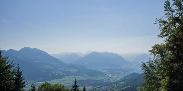 Blick von der Feldkircher Hütte in den Walgau
