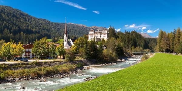 Von Gasteig zum Schloss Wolfsthurn in Mareit