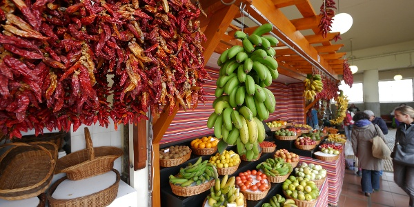 Obststand im Mercado dos Lavradores, Funchal