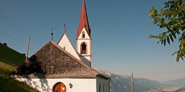 St. Quirin: Hoch über Sellrain- und Inntal. Ein Platz zum rasten und meditieren