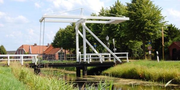 Kanalbrücke in Großefehn