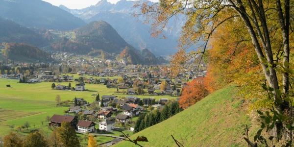 Buchwaldweg mit Ausblick