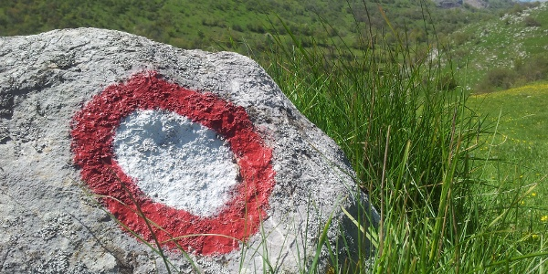 Via Dinarica Trail marker