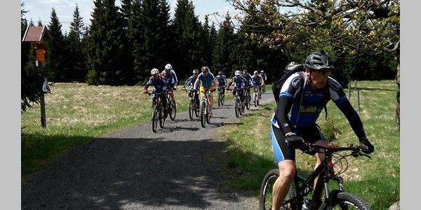 Vrcholy Krušných hor jsou oblíbené u cyklistů