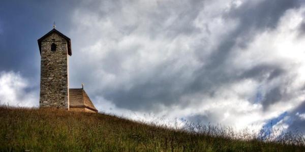 Chiesetta San Vigilio al Monte San Vigilio, punto più alto del percorso