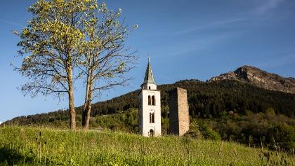 Chiesa e Torre di Sta Maria i.C. (val Calanca, GR)
