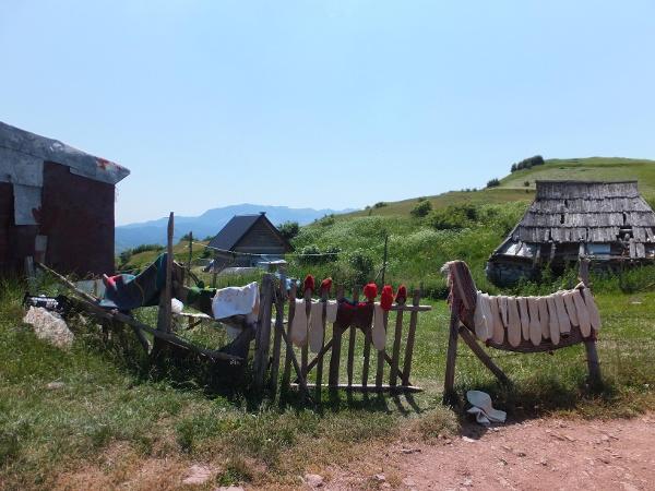 Ursprüngliches Bergdorf in Bosnien und Herzegowina