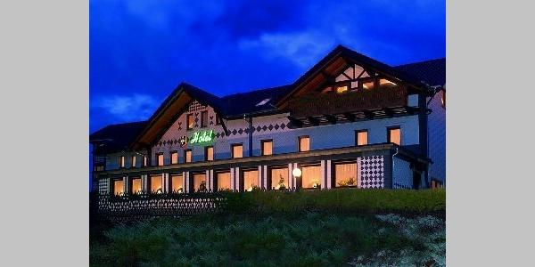 Nachtansicht Hotel Berggarten