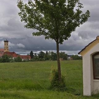Blick auf die Kirche von Maria Steinbach