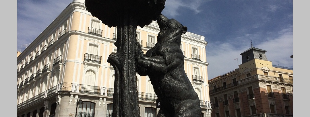 La estatua del Oso y del Madroño