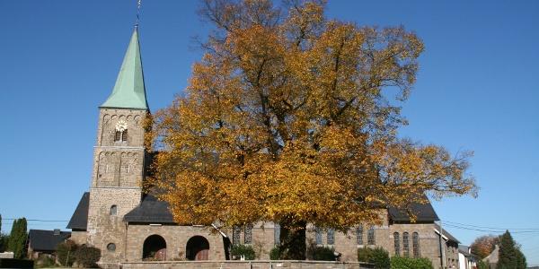Außenansicht Kirche Weywertz