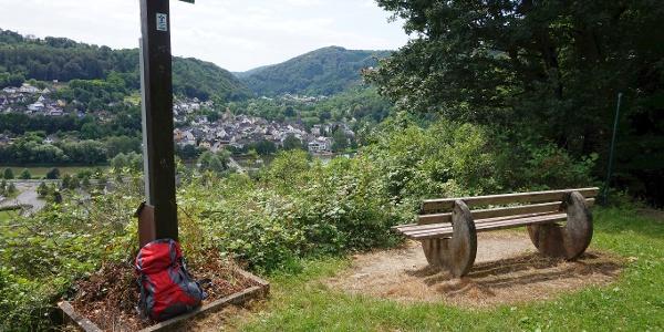 Gipfelkreuz über Fachbach