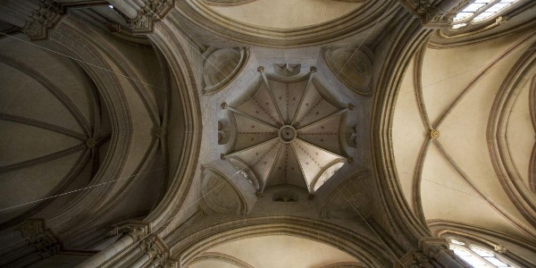 Gewölbe der Kirche
