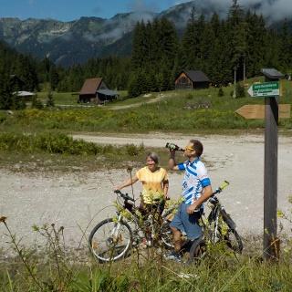 Rast in der Genießer Mountainbikestrecke Krumpen - Abbrenn