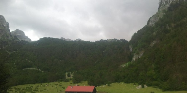 Alpine hut Zastan