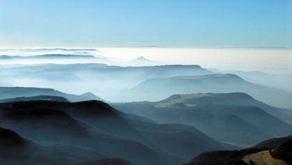 Albtrauf im Nebel