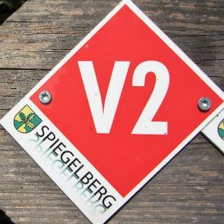 """Rundwegmarkierung in der Natur """"V2"""""""